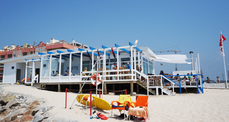 esplanada-praia-vagueira-casablanca-lounge-bar-bebespontocomes