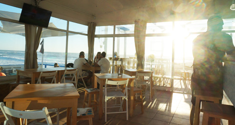 interior-casablanca-lounge-bar-vagueira-praia-esplanada-bebespontocomes