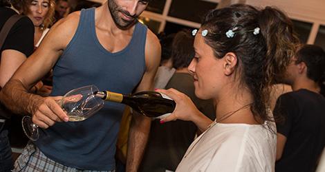 joana-santiago-quinta-santiago-vinho-verde-alvarinho-wine-sunset-bebespontocomes