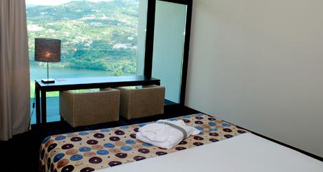 quarto-douro-palace-resort-spa-baiao-bebespontocomes