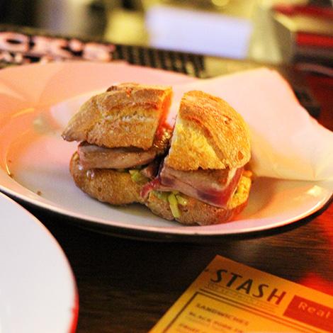 atum-acores-sandwich-room-stash-porto-1-bebespontocomes