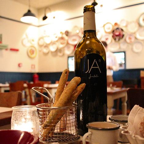 vinho-ja-cantinho-aville-porto-bebespontocomes