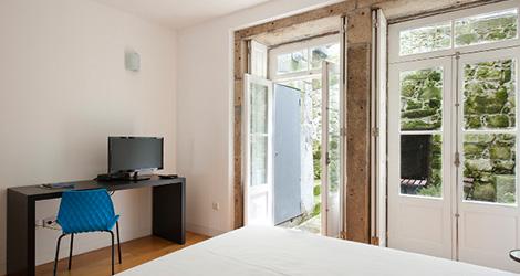 quarto-hostel-cale-porto-guest-house-aliens-bebespontocomes