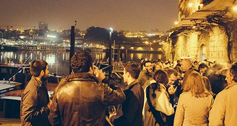 ribeira-porto-rio-douro-noite-provas-evento-simplesmente-vinho-2015-bebespontocomes