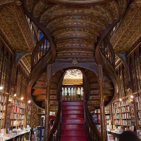 livraria-lello-porto-douro-dourada-talha-vinho-quinta-portal-black-pur-2012-bebespontocomes