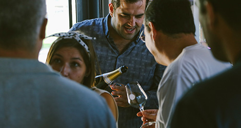ambiente-wine-sessions-bebespontocomes-prova-vinhos-aveiro-bebes-comes-festa-ribeiro-santo-dao-filipe-cruz