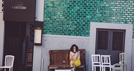 o-antigo-carteiro-restaurante-porto-quinta-santiago-vieira-sousa-bebespontocomes-fachada-relax