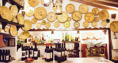 taberna-do-adro-elvas-receituario-alentejano-restaurante-vila-fernando-portalegre-migas-galinha-tostada-pao-de-rala-sericaia-balcao-bebespontocomes
