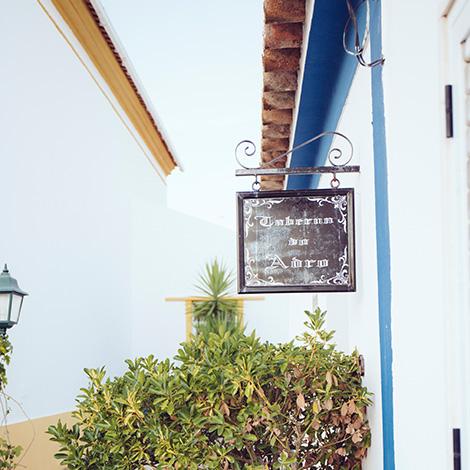 taberna-do-adro-elvas-receituario-alentejano-restaurante-vila-fernando-portalegre-migas-galinha-tostada-pao-de-rala-sericaia-entrada-bebespontocomes