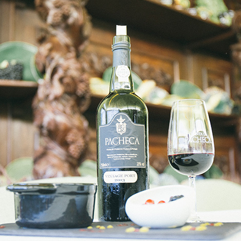 a-luz-da-quinta-da-pacheca-douro-vinho-porto-branco-tinto-restaurante-wine-hotel-bebespontocomes-vintage-2013-sobremesa-bordallo-pinheiro