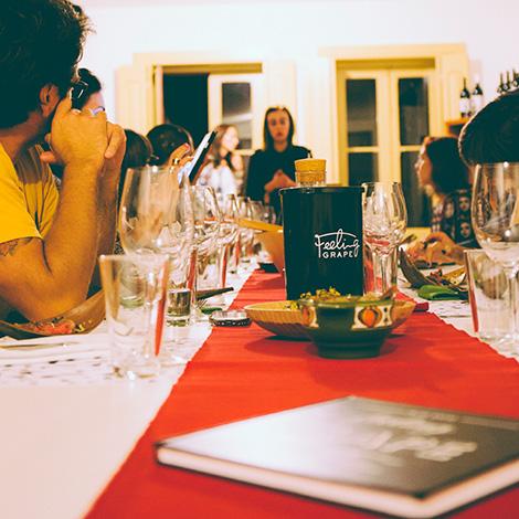 bbq-wine-food-bebespontocomes-bebes-comes-feeling-grape-porto-evento-vinho-dao-jantar-musica-apresentacao-joana-marta