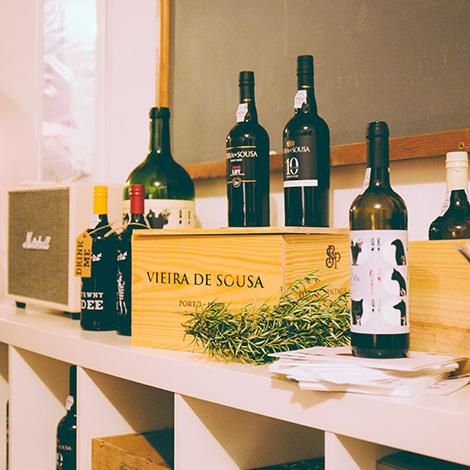 bbq-wine-food-bebespontocomes-bebes-comes-feeling-grape-porto-evento-vinho-dao-jantar-musica-decor-vinhos