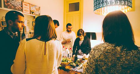 rectangular-bbq-wine-food-bebespontocomes-bebes-comes-feeling-grape-porto-evento-vinho-dao-jantar-musica-ambiente-entradas