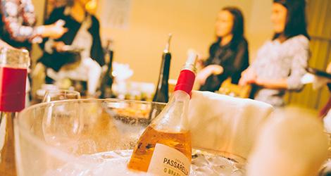 rectangular-bbq-wine-food-bebespontocomes-bebes-comes-feeling-grape-porto-evento-vinho-dao-jantar-musica-casa-passarella-brazileiro
