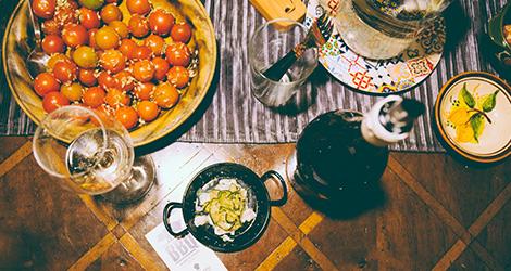 rectangular-bbq-wine-food-bebespontocomes-bebes-comes-feeling-grape-porto-evento-vinho-dao-jantar-musica-mesa