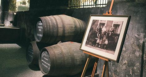 foto-antiga-grahams-symington-caves-douro-quinta-vesuvio-douro-vinho-porto-caves-gaia-bebespontocomes
