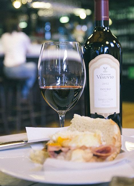 garrafa-comida-grahams-symington-caves-douro-quinta-vesuvio-douro-vinho-porto-caves-gaia-bebespontocomes
