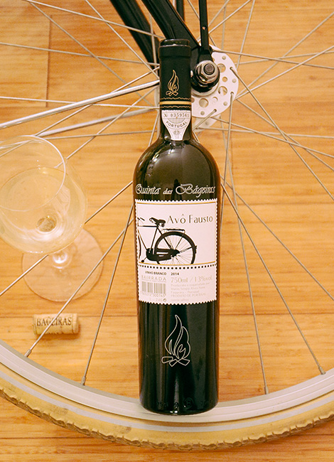 garrafa-quinta-bageiras-vinho-avo-fausto-2014-bairrada-bebespontocomes