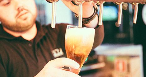servir-letraria-cerveja-artesanal-minhota-letra-vila-verde-braga-brewery-brewpub-pub-beer-fabrica-bebespontocomes
