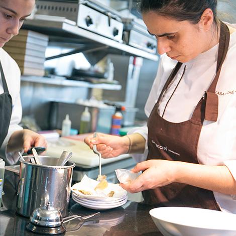 cozinha-preparacao-restaurante-casa-cha-boa-nova-chef-rui-paula-leca-palmeira-porto-siza-vieira-bebespontocomes