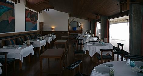 sala-restaurante-casa-cha-boa-nova-chef-rui-paula-leca-palmeira-porto-siza-vieira-bebespontocomes