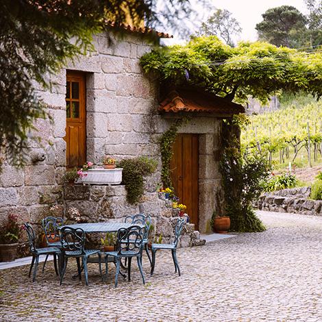 quadrada-patio-ready-to-go-vinho-verde-quinta-de-lourosa-alvarinho-arinto-2014-visita-prova-vertical-turismo-rural-lousada-bebespontocomes