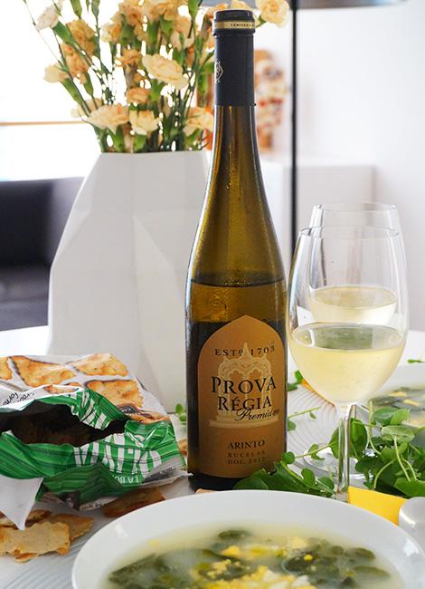 vinho-branco-bucelas-arinto-2012-sopa-agriao-receita-bebespontocomes