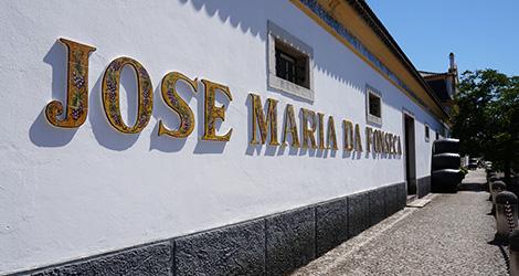 fachada-jose-maria-da-fonseca-edificio-azeitao-jmf-bebespontocomes