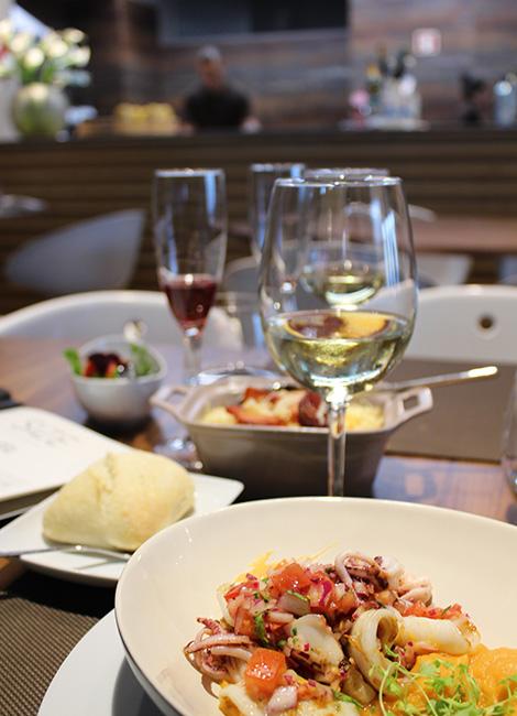 mesa-vinho-restaurante-size-porto-bebespontocomes