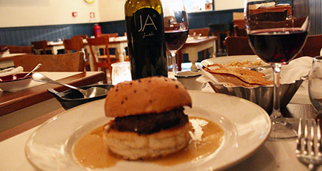 hamburguer-cantinho-avillez-porto-bebespontocomes