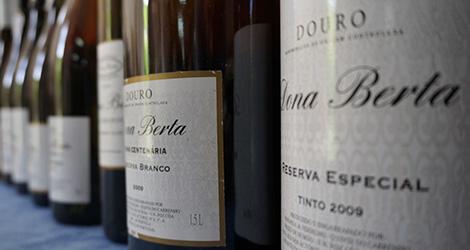 garrafas-vinho-dona-berta-douro-sousao-luxo-bebespontocomes
