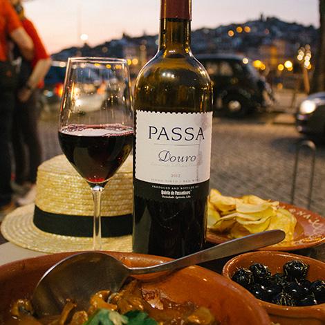 vinho-passa-passadouro-ribeira-gaia-restaurante-sunset-taberninha-manel-petiscos-douro-bebespontocomes