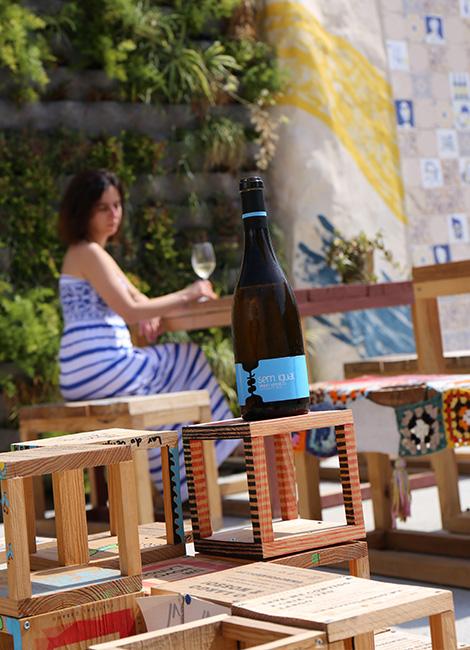 vinho-verde-2013-sem-igual-amarante-design-100-igual-um-novo-largo-aveiro-rua-sebastiao-domingo-largo-bebespontocomes