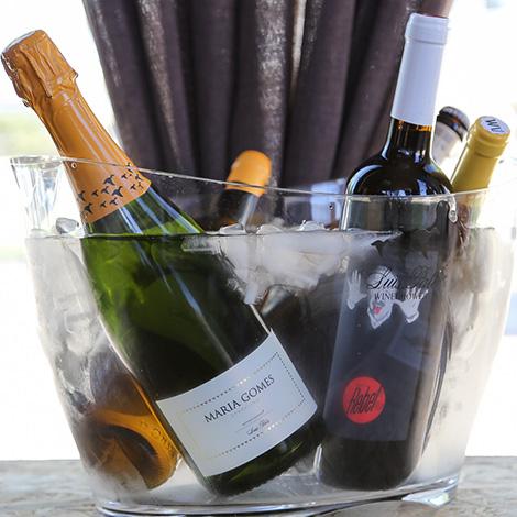 ambiente-wine-sessions-bebespontocomes-prova-vinhos-aveiro-bebes-comes-festa-espumantes-luis-pato