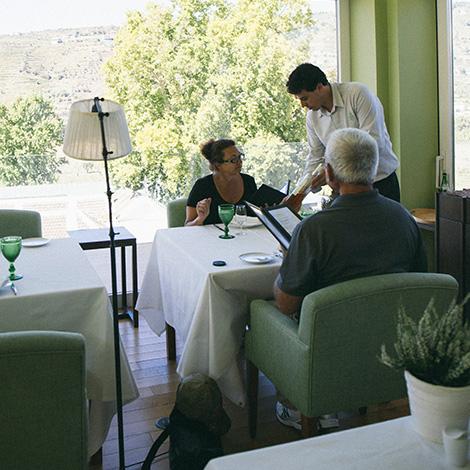 a-luz-da-quinta-da-pacheca-douro-vinho-porto-branco-tinto-restaurante-wine-hotel-bebespontocomes-ambiente