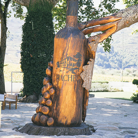 a-luz-da-quinta-da-pacheca-douro-vinho-porto-branco-tinto-restaurante-wine-hotel-bebespontocomes-escultura