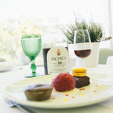 a-luz-da-quinta-da-pacheca-douro-vinho-porto-branco-tinto-restaurante-wine-hotel-bebespontocomes-sobremesa-tawny-30-anos