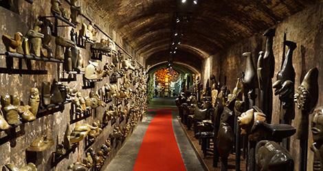 amor-alianca-bairrada-vinho-espumante-baga-adega-museu-underground-sangalhos-bebespontocomes-estatuas