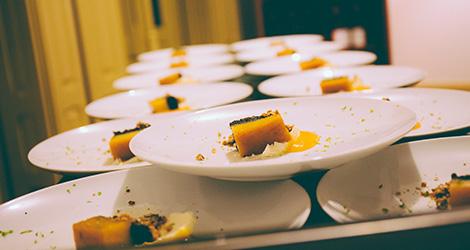 rectangular-bbq-wine-food-bebespontocomes-bebes-comes-feeling-grape-porto-evento-vinho-dao-jantar-musica-sobremesa
