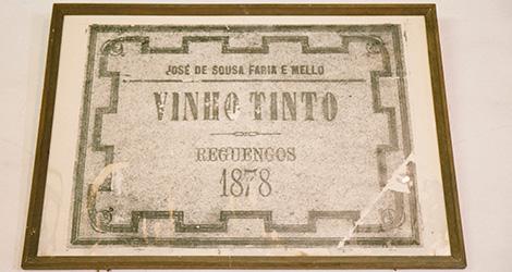 quadro-vinho-j-jose-sousa-2011-adega-jose-maria-da-fonseca-janela-indiscreta-bebespontocomes