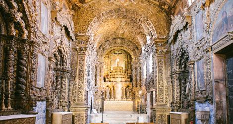 interior.igreja--vinho-santos-da-casa-alentejo-grande-reserva-2010-museu-aveiro-de-casa-para-o-convento-bebespontocomes