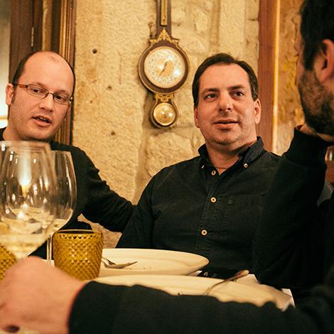 amigos-empowered-by-quinta-de-lourosa-vinho-verde-alvarinho-arinto-loureiro-vinha-do-avo-restaurante-ode-porto-bebespontocomes