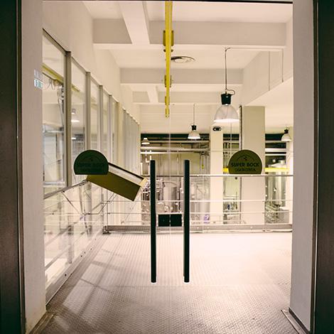quadrada-entrada-portas-casa-da-cerveja-super-bock-unicer-museu-prova-beer-fabrica-unidade-fabril-porto-bebespontocomes