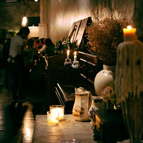 quadrada-entrada-decor-restaurante-cantina-32-porto-rua-das-flores-bar-chef-luis-americo-bebespontocomes