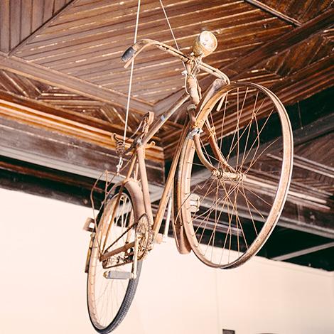 quadrada-bicicleta-trainspot-beira-marvao-hostel-turismo-vinho-quinta-de-lemos-dona-georgina-2005-bebespontocomes