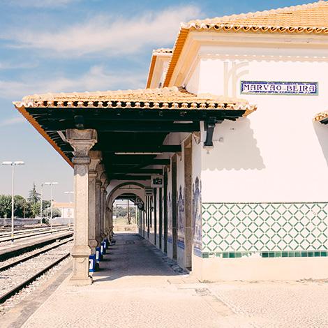 quadrada-estacao-trainspot-beira-marvao-hostel-turismo-vinho-quinta-de-lemos-dona-georgina-2005-bebespontocomes